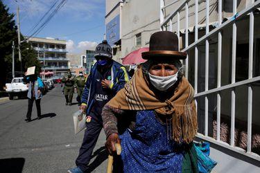 Bolivia anuncia intervención en clínicas y cementerios privados en medio de la crisis del coronavirus