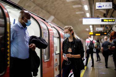 Reino Unido confirma más de 740 contagios y ocho nuevos fallecimientos en las últimas horas