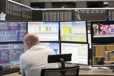 La Bolsa de Santiago cayó a su nivel más bajo en tres semanas, en jornada de fuertes ajustes en los mercados internacionales