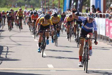 Muñoz gana la última etapa y Villalón se sube al podio final en Tour de Colombia