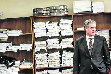 ONG pide reunión con juez Carroza por adopciones irregulares