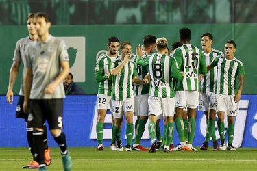"""""""Abuelo, te habla el Betis"""": el club español llama a sus abonados mayores de 70 años para ofrecerles ayuda"""