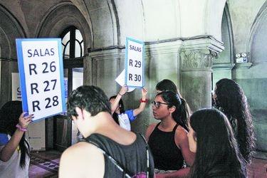 Jóvenes rinden prueba de Historia como última opción en la admisión