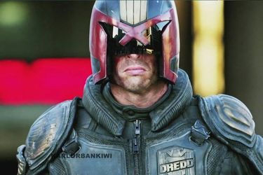 Aún desarrollan la serie Judge Dredd: Mega City One y Karl Urban podría estar en ella