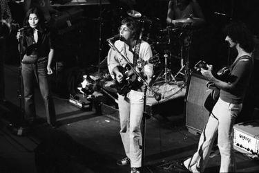King Kong, gritos y un saco: la tensa reunión de John Lennon y Frank Zappa