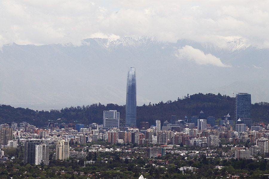 Panorámicas de Santiago despejado luego de la lluvia