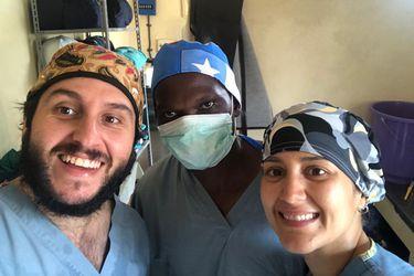 Juan Pablo y Camila: la inusual lucha de dos chilenos en Zambia