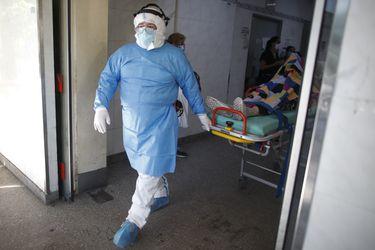 Argentina sobrepasa otro récord de casos diarios de coronavirus tras detectar más de 27.000 contagios