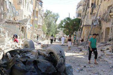 Mueren 14 personas en un atentado contra un autobús militar en la capital de Siria