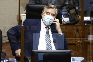 """Senador Guillier renuncia al PRO y explicita apoyo a Provoste: """"No tuvimos acuerdo con MEO y el partido de cómo manejar la campaña. Yo no estoy por campañas individualistas"""""""
