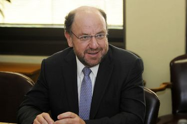 Alfredo Moreno se convierte en el primer ministro de gobierno en dar positivo por coronavirus