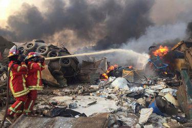 Primer ministro del Líbano asegura que 2.750 toneladas de nitrato de amonio causaron explosiones en Beirut