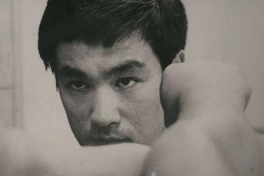 """Su mera presencia en la pantalla era una protesta: El tráiler de """"Be Water"""", el nuevo documental de ESPN sobre Bruce Lee"""