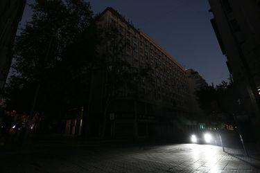 Corte de luz: Informan que retornó el servicio a un 99% de los clientes de la Región Metropolitana