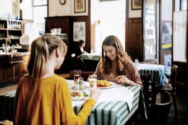 Viena repartirá cupones de 50 euros a familias para comer en restaurantes y cafeterías locales