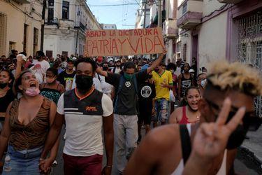 Dos miradas sobre el momento de Cuba