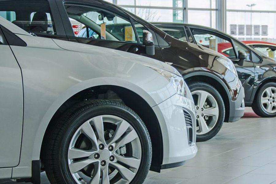 Gremio automotriz advierte que persisten demoras en desembarco de autos nuevos en el Puerto de San Antonio