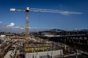 Escala conflicto entre MOP y Aeropuerto de Santiago por posible quiebra: Allamand se reúne hoy en París con dueños franceses del terminal