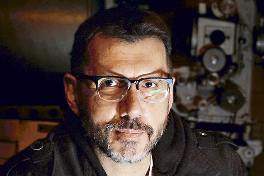 """Alberto Fuguet, escritor: """"VHS es acerca de un joven lleno de ..."""