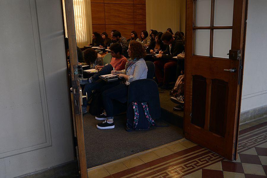 VALPARAISO : Estudiantes Universitarios
