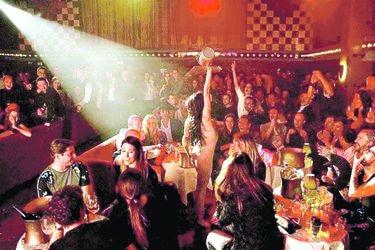 Una noche de cabaret en París