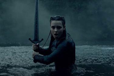 Netflix reveló el primer tráiler de su nueva serie basada en Cursed de Frank Miller y Tom Wheeler