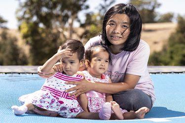 Las exsiamesas butanesas, a punto para regresar a su país