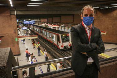 """Presidente de Metro: """"En las próximas semanas esperamos poder habilitar algún  acceso de superficie en la estación Baquedano"""""""