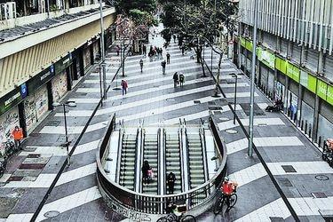 Columna de Sebastián Edwards: Chile, el dolor de volver a los orígenes y la mediocridad