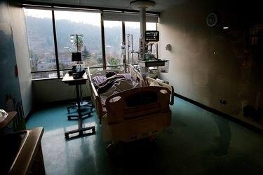 Taquicardia extrema, dolor en el pecho, náuseas insoportables: sobreviviente de coronavirus revela los terroríficos síntomas que experimentó