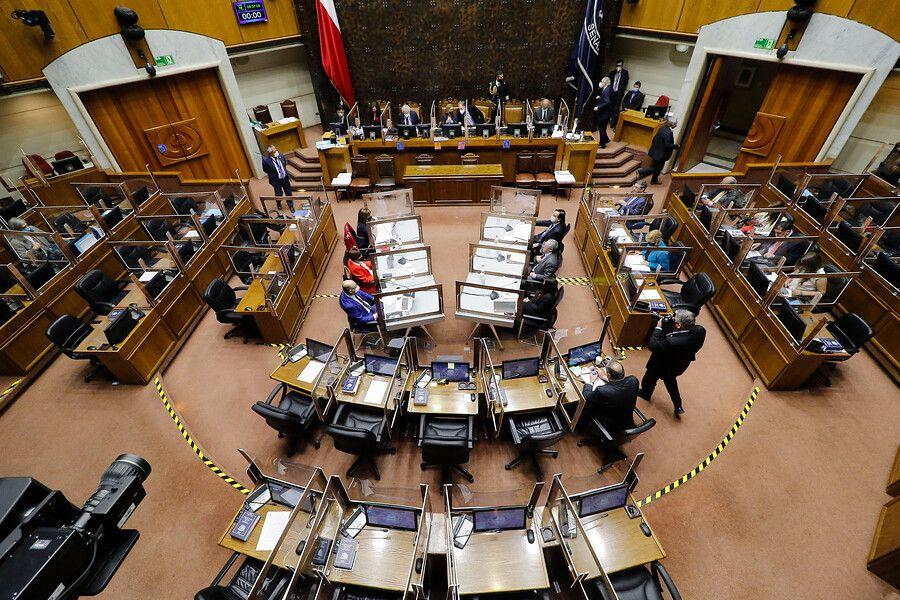 Senado inicia sesión en que se votará la acusación constitucional contra el exministro Pérez.