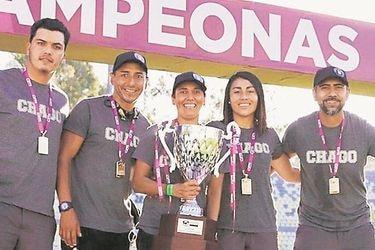 Bancas sin mujeres: el fútbol femenino chileno también es un juego de hombres