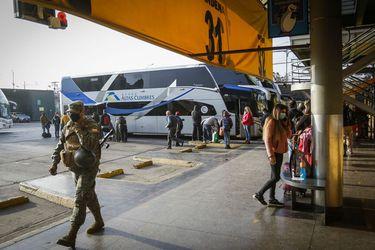 Autoridades destacan menor afluencia de personas en terminales de buses de la capital