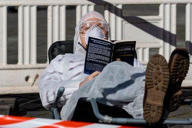 Ciencia, historia y testimonios: los nuevos libros sobre el Covid-19 y las grandes pandemias