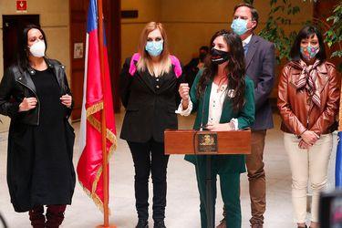 Diputadas opositoras presentaron proyecto para que se indemnice a personas que fueron víctimas de violaciones a sus derechos elementales tras el 18-O