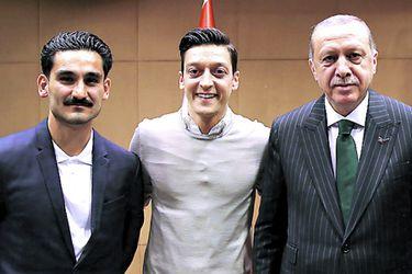 Gundogan Ozil y Erdogan