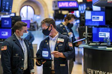 Los operadores de Wall Street recibirán jugosas bonificaciones este año