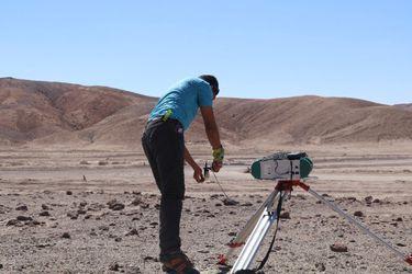 Científicos recorrieron 1.300 km en el desierto de Atacama: descubrieron que el color del suelo indica su potencial solar