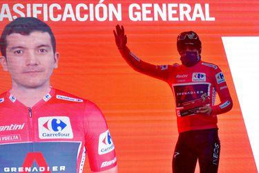 Carapaz le arrebata a Roglic el liderato de la Vuelta