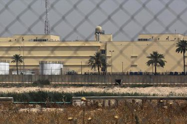 Derriban un dron con explosivos sobre la embajada de EE.UU. en Irak