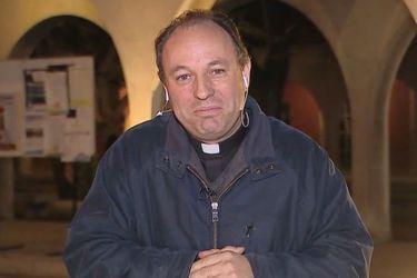El round de las laicas con el nuevo obispo auxiliar de Santiago nombrado por el Papa