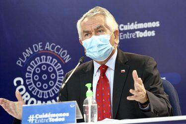 """Ministro Paris responde al Colegio de Enfermeras: """"Por Dios no me pidan que deje de hacer los controles habituales"""""""