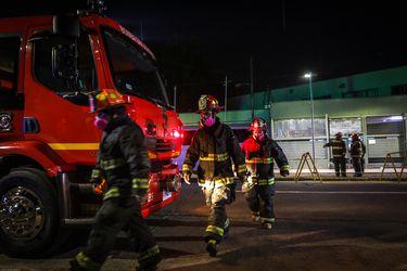 Incendio en la comuna de Santiago deja un adulto mayor fallecido