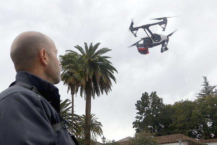 Ministros anunciaron utilizacion drone para fiscalizacion de uso de leña en la RM.