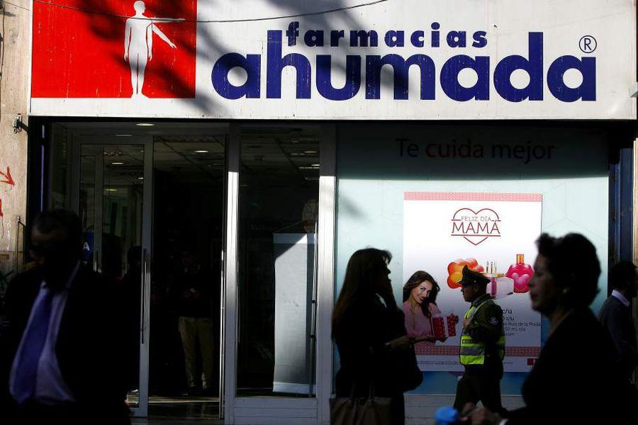 Cadena europea acuerda compra de farmacias Ahumada