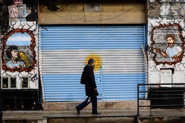 Riesgo país de Argentina se derrumba al reconfigurarse perfil del índice por parte de JP Morgan