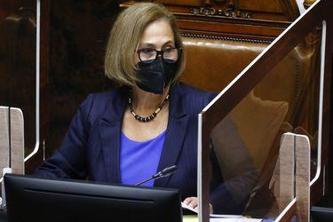 Presidenta del Senado no descarta que se vote esta semana en Sala segundo retiro del 10%
