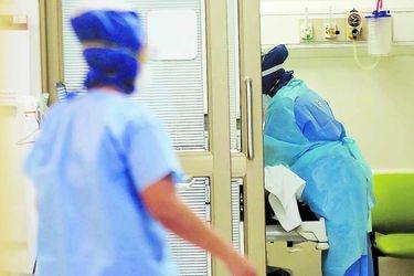 Contagios diarios de Covid-19 superan los 4 mil por tercer día consecutivo y casos detectados en enero alcanzan los 56 mil