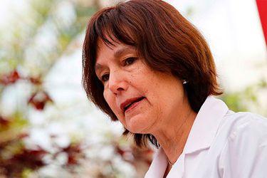 """Carmen Castillo, exministra de Salud: """"Una crisis tenemos que manejarla todos, no es el momento de arriesgar al país"""""""