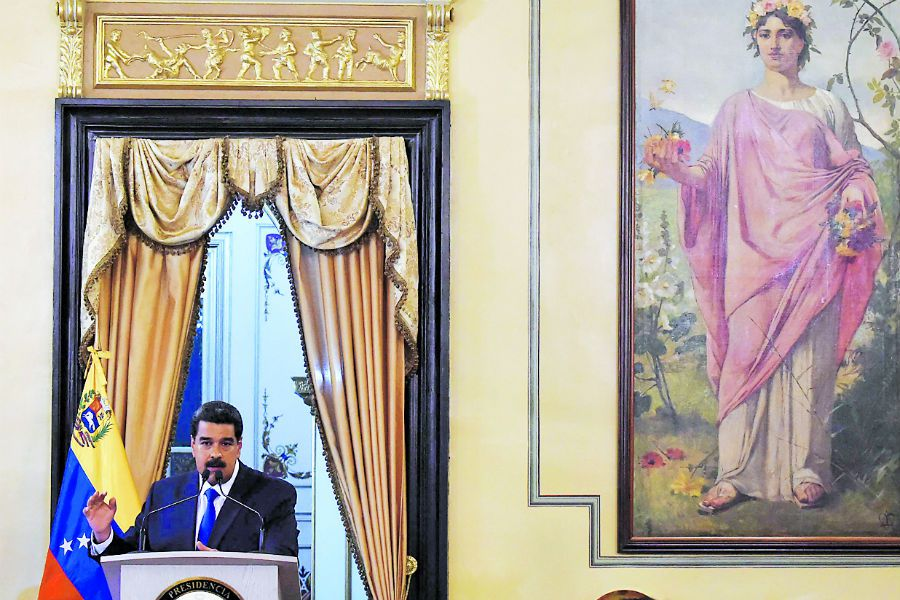 Venezuelan President Nicolas Maduro deliver (44596973)